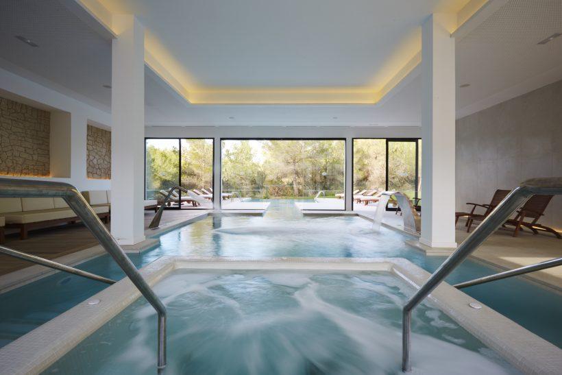 Sensatori Resort Ibiza binnenzwembad